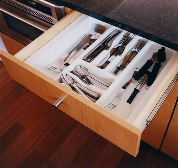 Rangement cuisine - tiroirs à couverts