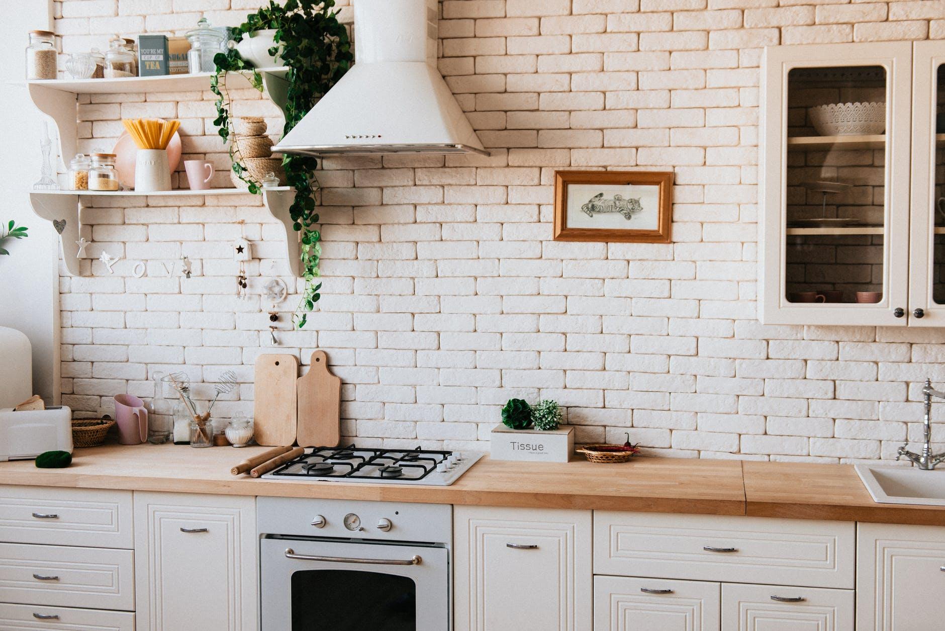 Comment peindre des armoires et placards de cuisine